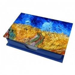 Campo di grano con corvi scatola con fogli per appunti